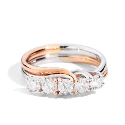 Il fidanzamento: la scelta dell'anello. Un angolo per due